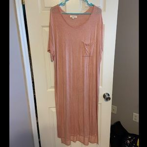 NWOT! Pink Umgee dress with front pocket